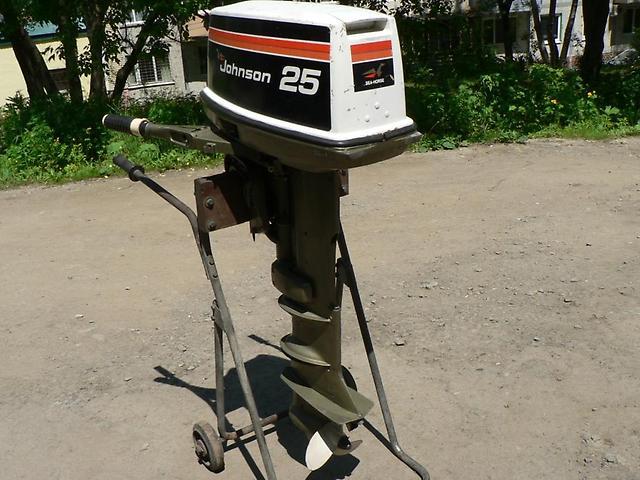 Лодочный мотор Johnson 25 л.с. 2-х тактный